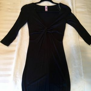 BLACK SIZE SMALL CUT OUT DRESS
